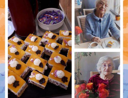 Frauentagskaffee im Vitalis Senioren-Zentrum Bernhard