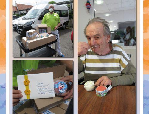 Eisspende für das Senioren-Zentrum St. Thekla